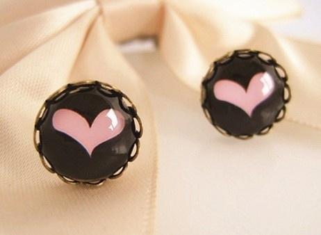 Picture of Cute Heart Gemstone Stud Earrings