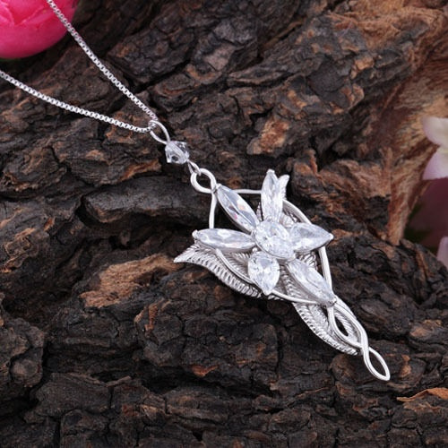 Wish 1pc vintage lord of the rings hobbit arwen evenstar necklace wish 1pc vintage lord of the rings hobbit arwen evenstar necklace silver plated crystal pendant aloadofball Images