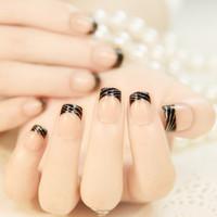 Маникюр на накладных ногтях