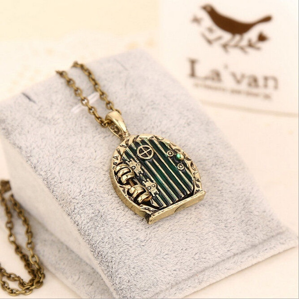 New hot fashion cute hobbit birdcage Necklace