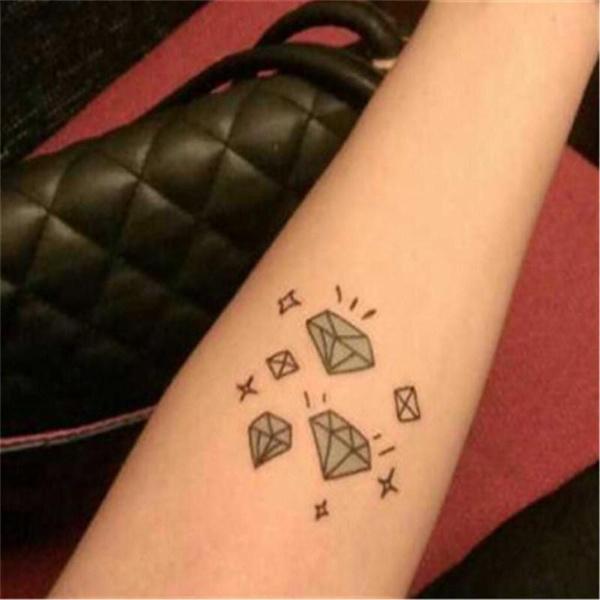 Men And Women Waterproof Fake Diamond Tattoo Stickers Small Pattern Little Finger Fresh False Temporary Tattoo Stickers
