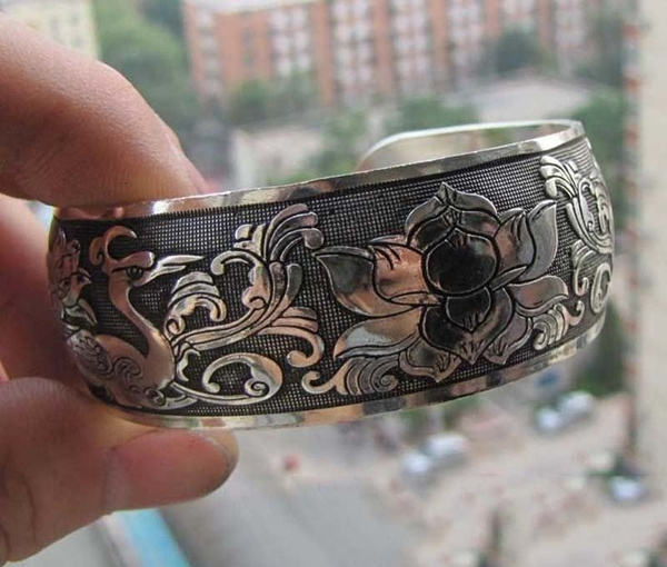 Picture of Peach Clouds Crane Tibetan Silver Bracelet Color Silver
