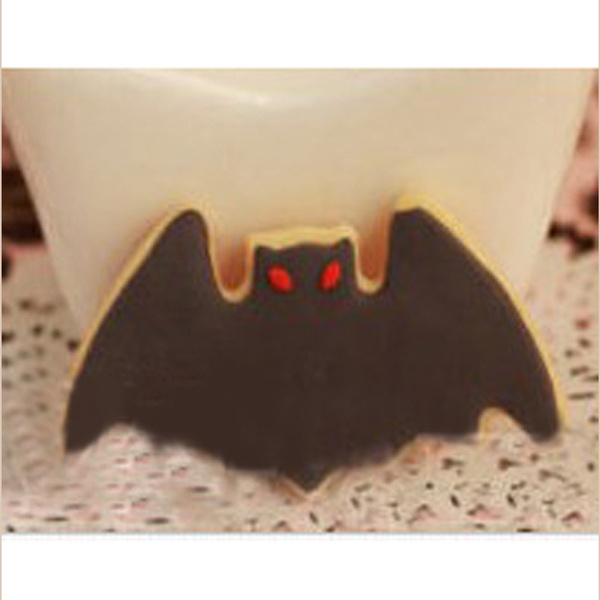 1pcs Christmas Innovative Mould Cake Cookies Chocolate Cutter Bat Batman Mold
