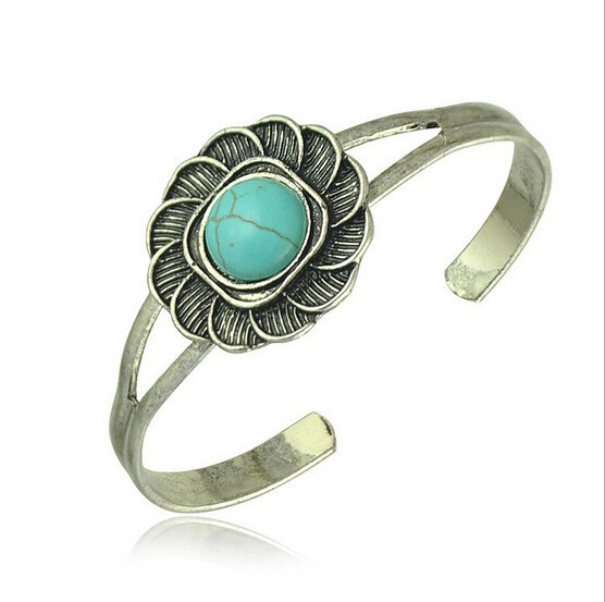 Restoring Ancient Ways Fashion retro Flower Turquoise National Wind Opening Silver Bangle Bracelet Jewelry (Color: Green)