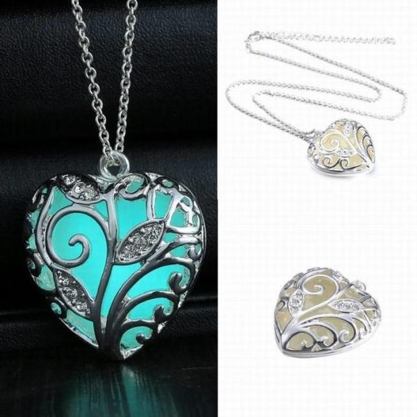 Unisex Silver Love Cute Heart Stone Glow Necklace Pendant Luminous Pattern Plant Plated Women Men Unique Personality Jewelry Accessories