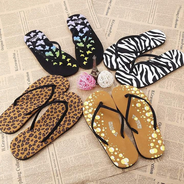 Picture of New Women Fashion Casual Beach Flip Flops Flat Sandals