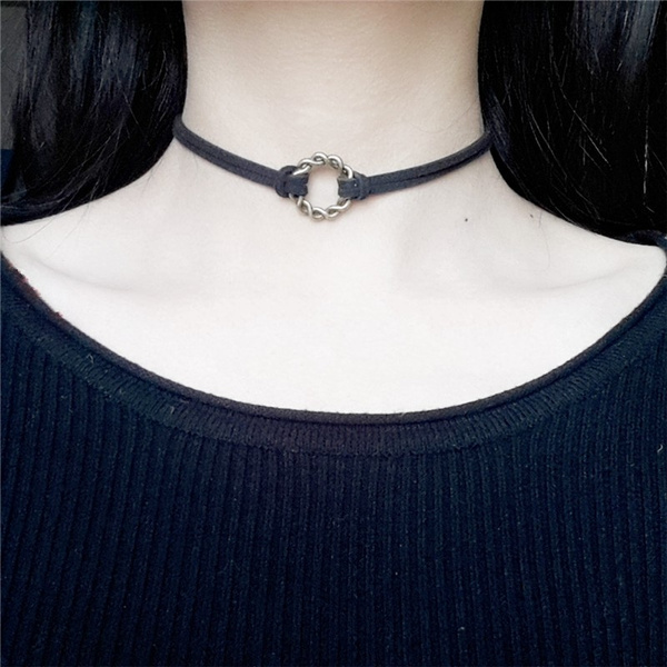 1 PCS Lover Gothic Velvet Hollow Out Round Choker Handmade Necklace Pendant 80 90s Jewelry