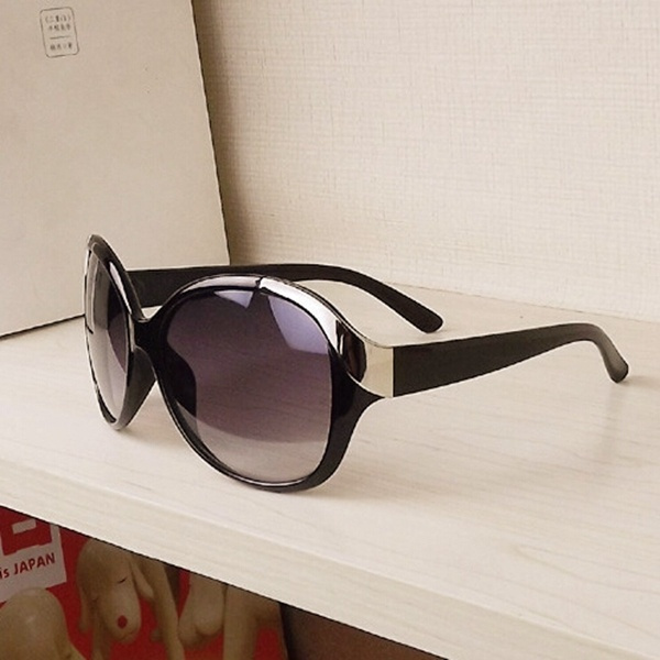 Picture of Women Casual Sunglasses Sport Fashion Summer Outdoor Glasses For Women Party Uv Protectio
