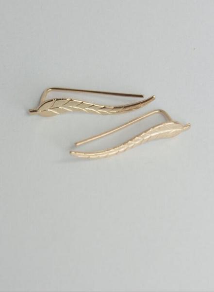 1Pair Women Fashion Metal leaf leaf earrings ear clip