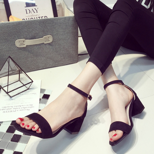 Picture of Women's Sandles With Thick Heel Design And Korean Style Women's Strap Sandles