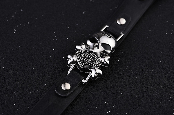 Men's Fashion Vintage Titanium Steel Skull Punk Bracelet Hip Hop Leather Wristband