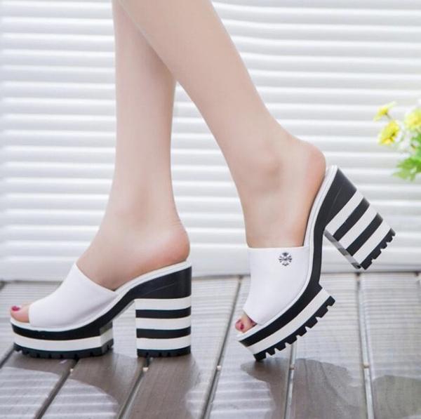 Picture of Sandalas Women Genuine Leather Sandals Thick Heel Slippers Woman Platform Wedges Summer Shoes Pumps Woman Flip Flops
