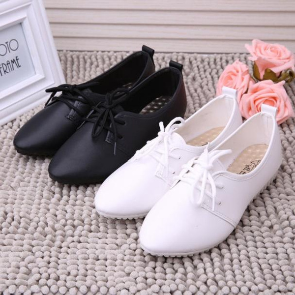 Picture of Women Flats Shoes Slip On Flat Shoes Loafers Black/white