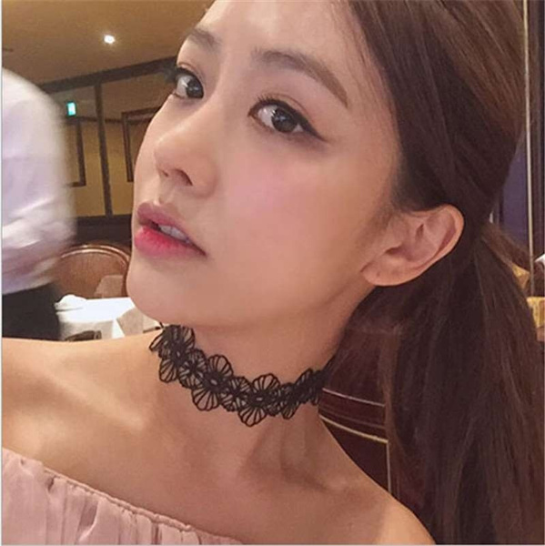 Korean Fashion Female Sweet Necklace High-end Embroidered Black Lace Broadside Necklace + Bracelet ( 2pcs/set )