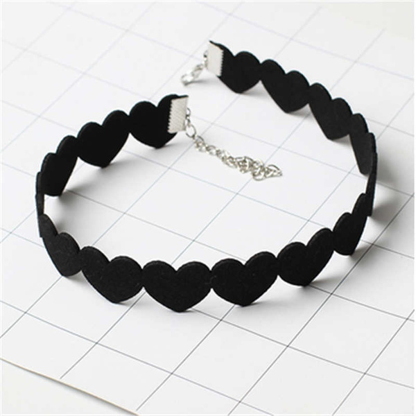 Fashion Sweet Black Love Heart Velvet Leather Collar Choker Necklaces for Women Jewelry (Color: Black)