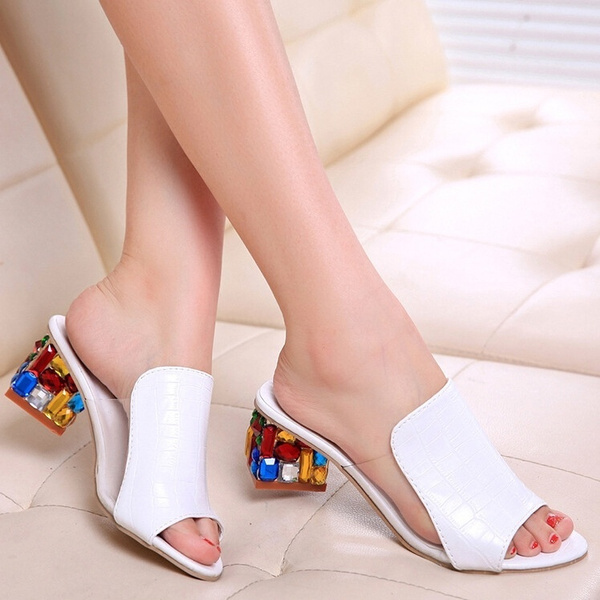 Picture of Fashion Shoes With Breathable Sandals Diamond In The Rough With Sandals And Slippers