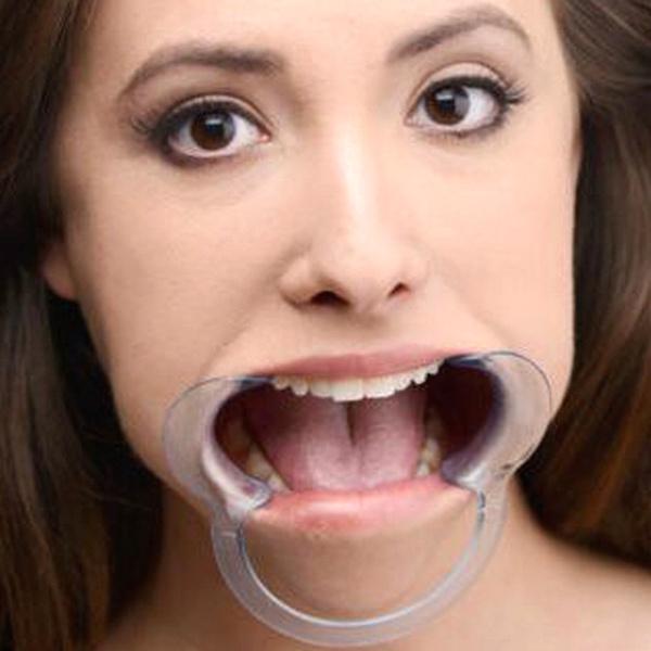 Open mouth deep throat