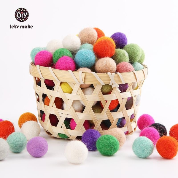 Ball, montessoritoy, woolfeltball, rattle