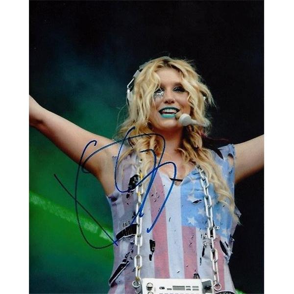 Kesha sexy