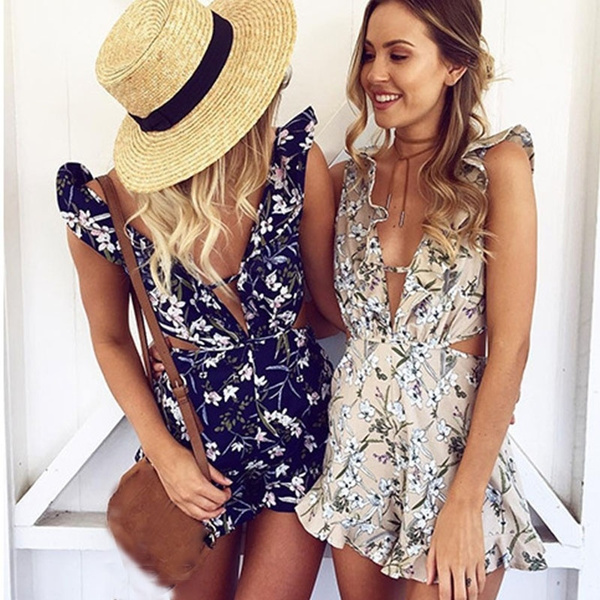 Picture of Floral V-neck Sleeveless Lotus Leaf Conjoined Shirts And Short Pants