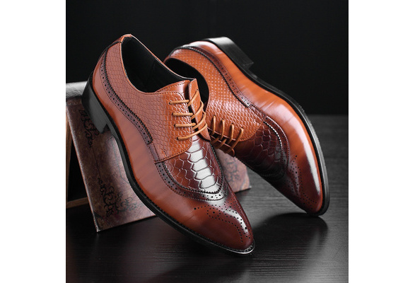 Men Fashion Classic Bullock Bright Wedding Business Shoes Leather Pointed Toe Shoes Casual Dress Shoes Plus Size 38-48