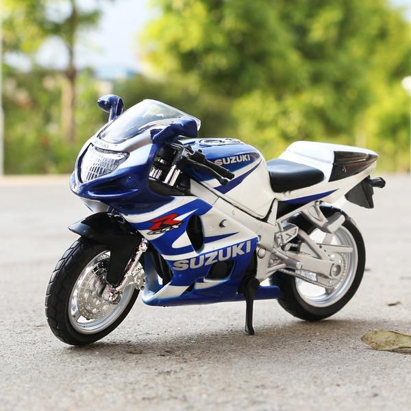 Maisto 1:18 Suzuki GSX-R750 Diecast Motor Bikes