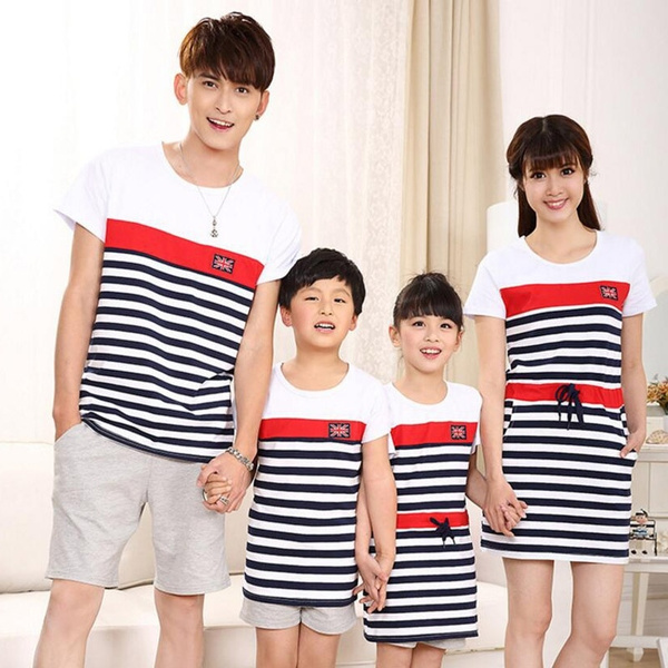 442920fd275c0 Family Matching Outfits 2018 summer Fashion Striped Mother And Daughter  DressesT-shirt Outfits for Father Son Baby Boy Girl