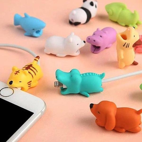 Creative Mignon Animal Bite USB Chargeur Data Protector Couverture pour  Iphone Ipad Belle Mini Fil Protection Câble Cordon Téléphone Cordon  Accessoires