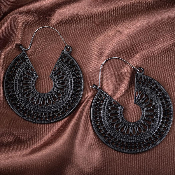Women Fashion Geometric Shape Hollow Hook Pierced Dangle Earrings