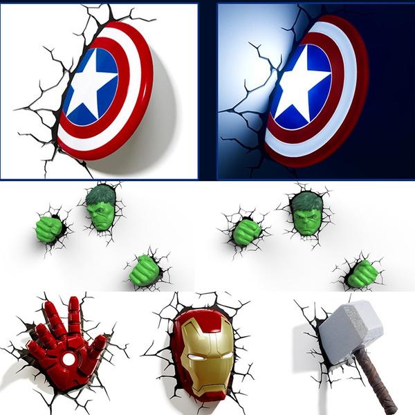 מנורה תלת מימד עם דמויות גיבורי על 3D Marvel Avengers Captain America Iron Man