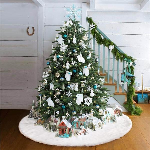 JoyeArt Christmas Tree Plush Skirt Decoration for Merry Christmas Party