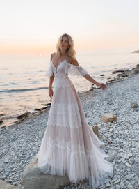 Lorie Bohemian Wedding Dresses 2020 Off Shoulder A Line Lace Appliqued Boho Wedding Gowns Lacing Plus Size Beach Bridal Gowns Wish,Dresses For Fall Wedding 2020