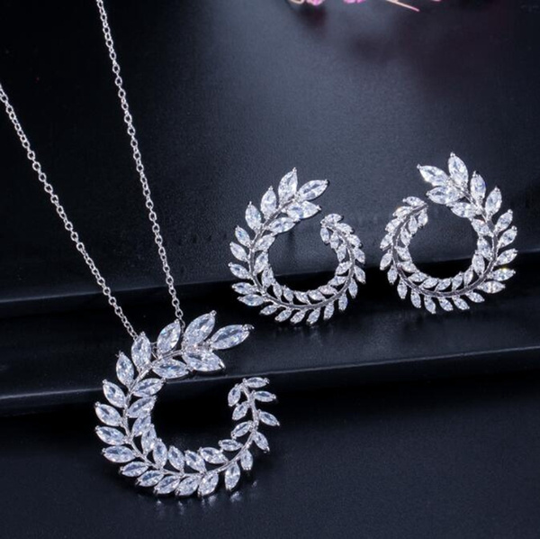 Fashion Women Sparkly Necklace