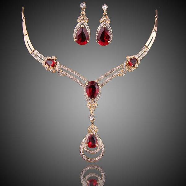 topazearring, garnet, necklace charm, water