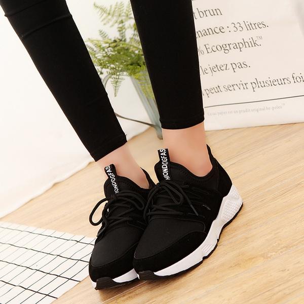 flat sports shoes