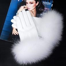 Women's Fashion, fur, furmitten, pinkglove