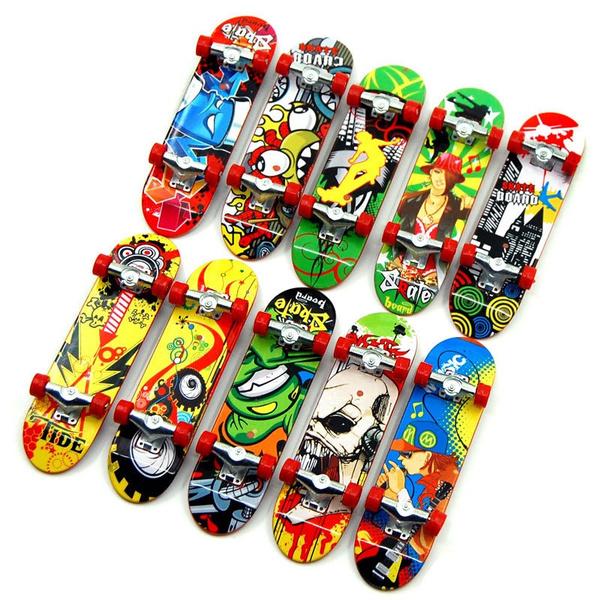 5x Mini Finger Skateboard Board Truck Boy Kids Party Toy Graffiti