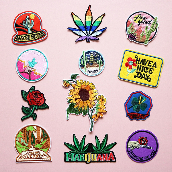 Clothing & Accessories, Plants, Flowers, badge