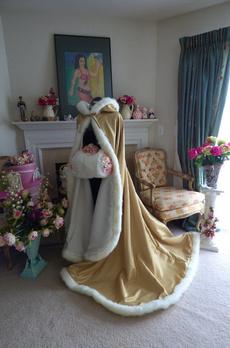 Fashion, fur, gold, weddingcape