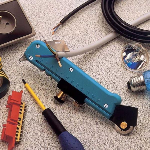 Multifunctional tool, drawingroundgla, glasscutter, glassamptilecutter