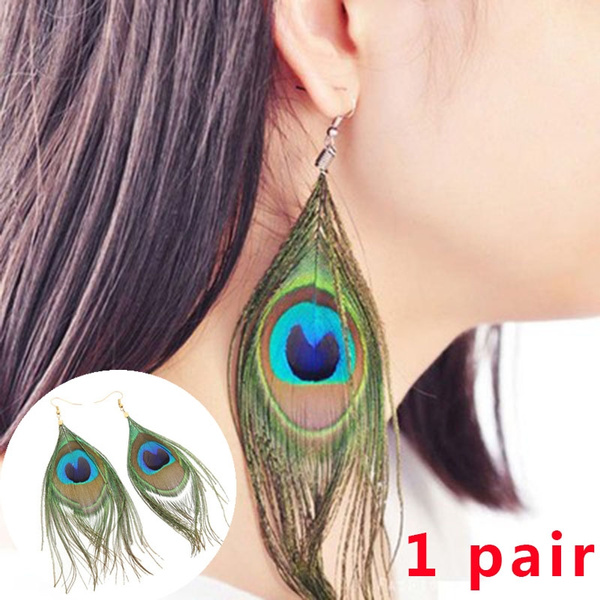 Pair of earrings in natural feathers