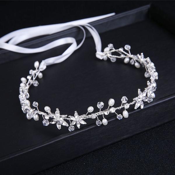 Flowers, crownjewelery, pearls, crown