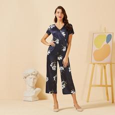 Fashion, Floral print, Necks, Sleeve