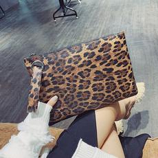 zipperbag, clutch purse, leopardwristbag, leopard print