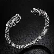 Head, Fashion, Jewelry, Bracelet