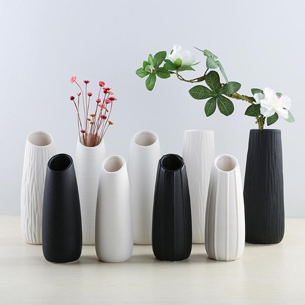 Modern Ceramic Vases White Black Tabletop Vase European Style Home Decoration Black Vase Fashion Flowerpot Creative Gift Wish