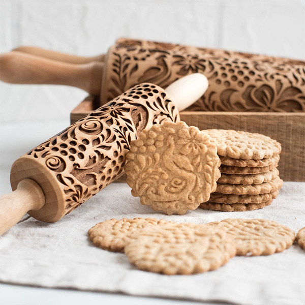 Wooden Paisley Christmas Floral Embossing Rolling Pin Dough Engraved Roller