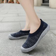 middleaged, flat shoe, flattie, screencloth