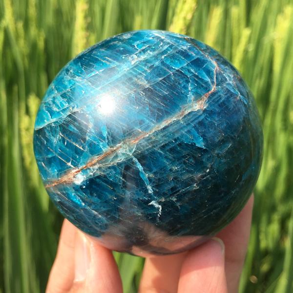 Blues, crystalhealing, quartzcrystal, crystalsphere