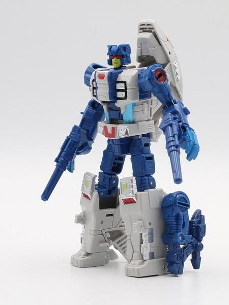 rippersnappercutthroatrobottoy, transformationrobot, transformationabominusactionfigurerobottoy, rippersnappercutthroatactionfigurerobottoy